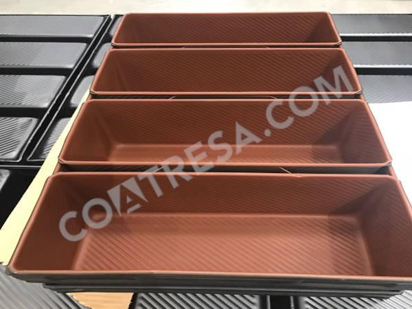 coated-loaf-bread-tin
