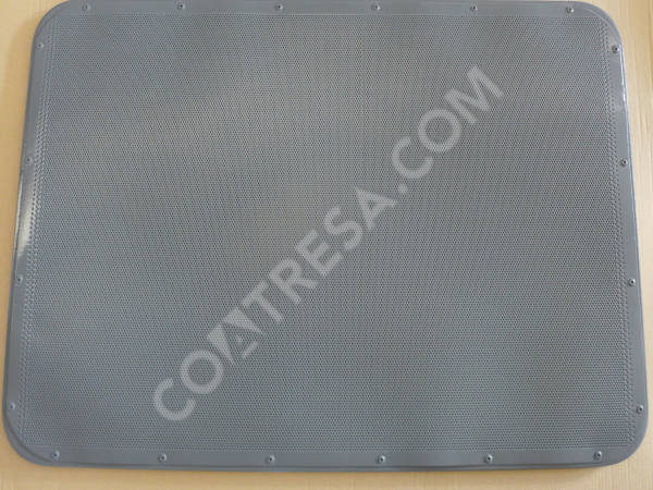 cleaning-perforated-bread-pans