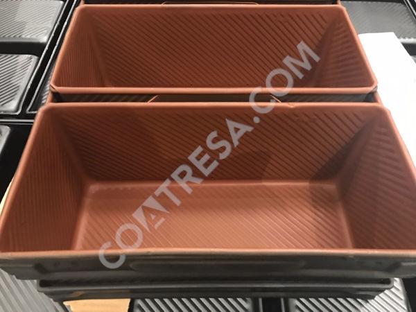 coating-bread-tins